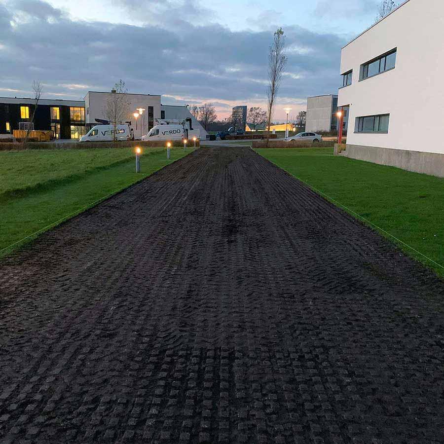 Ren- og vedligeholdelse af græsarmering