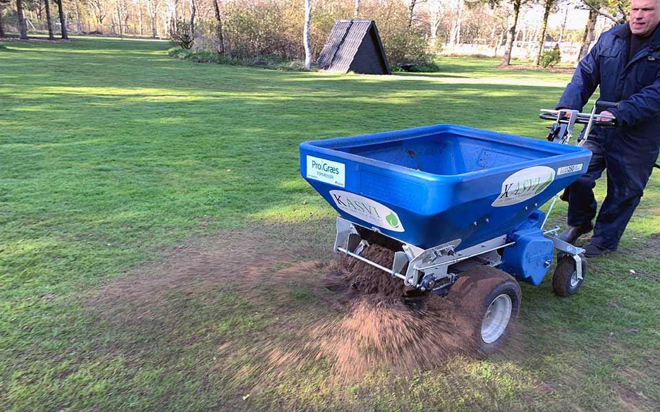 Topdressing af græsplæne